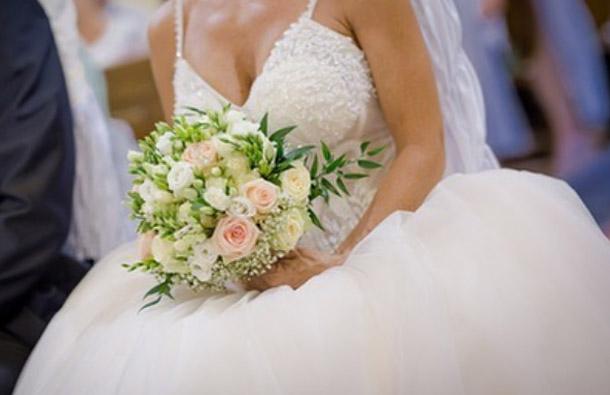 Svadobné šaty so swarovski kamienkami